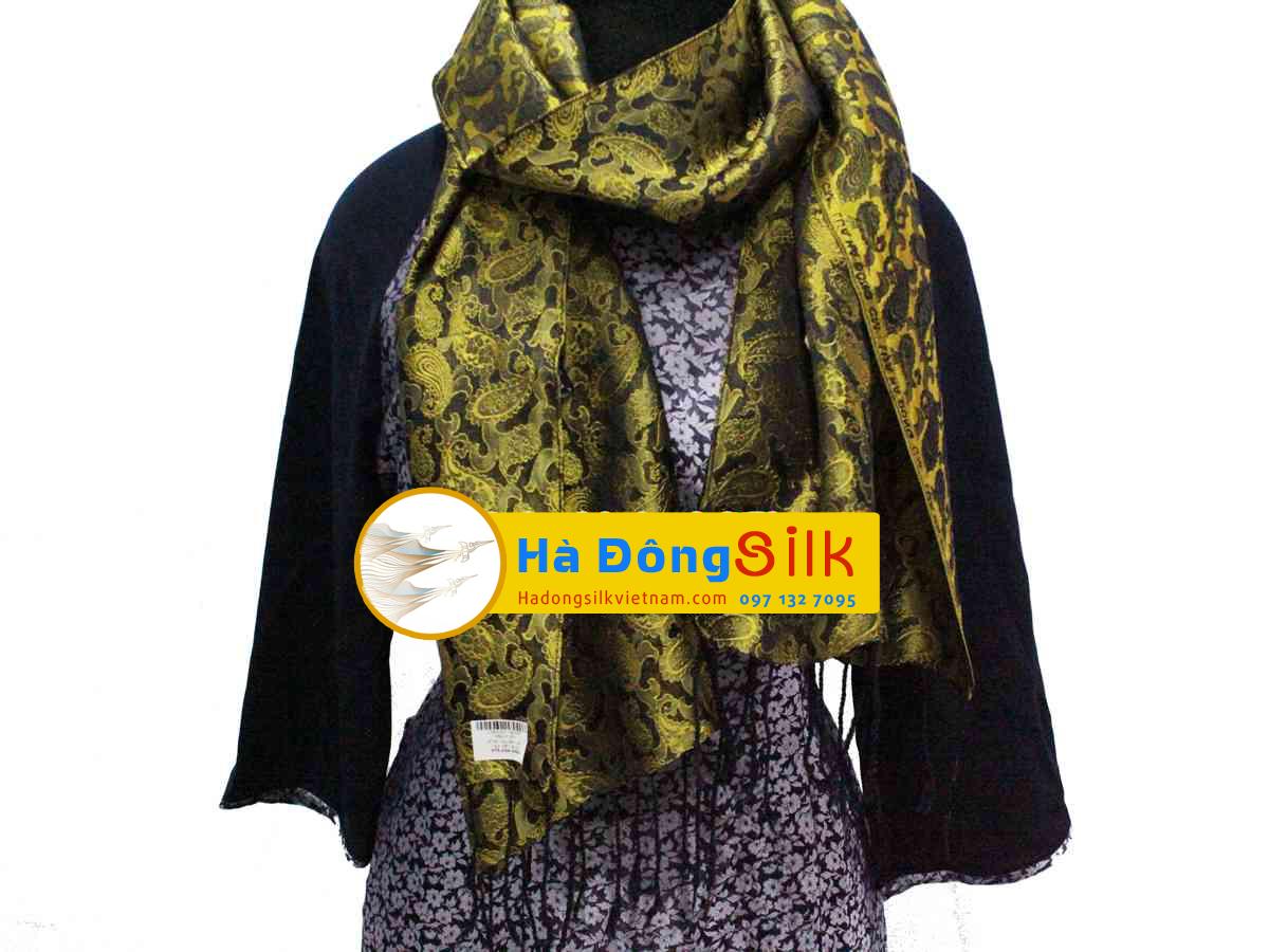 Khăn lụa đen vẽ họa tiết vàng MNV-KL83
