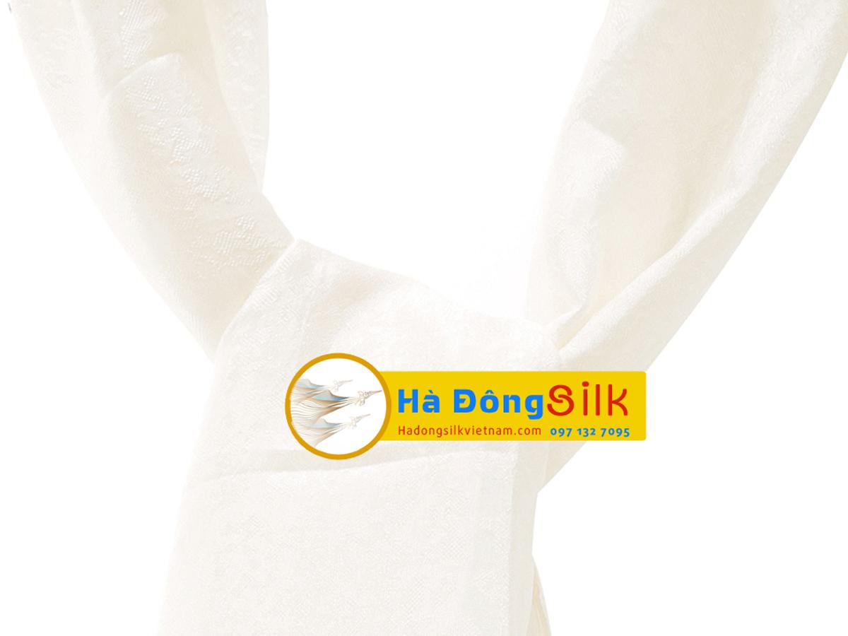 Khăn choàng cổ Hà Đông họa tiết hoa nổi trắng MNV-KL44180