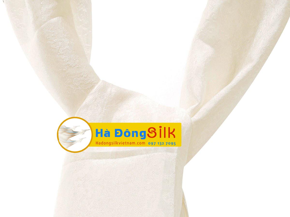 Khăn choàng cổ Hà Đông họa tiết hoa nổi trắng MNV-KL90180