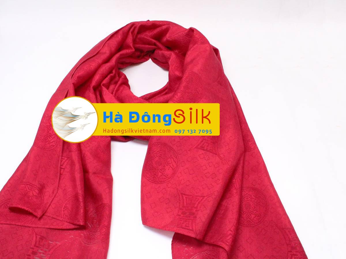 Khăn choàng cổ Hà Đông họa tiết vân đỏ chữ Thọ MNV-KL90180