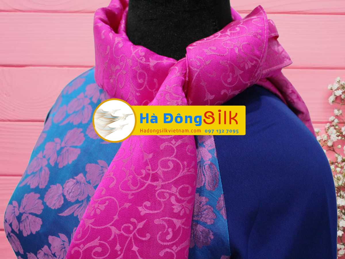 Khăn choàng cổ hồng vẽ họa tiết MNV-KL82